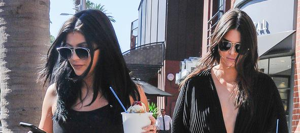 .@KendallJenner and @KylieJenner wear coordinating black ensembles for a fro-yo date: http://t.co/NZ79i5cGTb http://t.co/dLyRr7nmgi