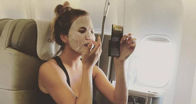 Sheet masks on a plane! How to get glowing pre-holiday skin like Chrissy Teigen http://t.co/tZw1CTpK3H http://t.co/WkALQIMZh0