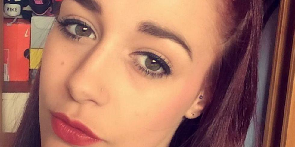 What happened to this girl who wanted bold brows will scare you for life http://t.co/zDpo5m3qBg http://t.co/2ye0RNw3dd