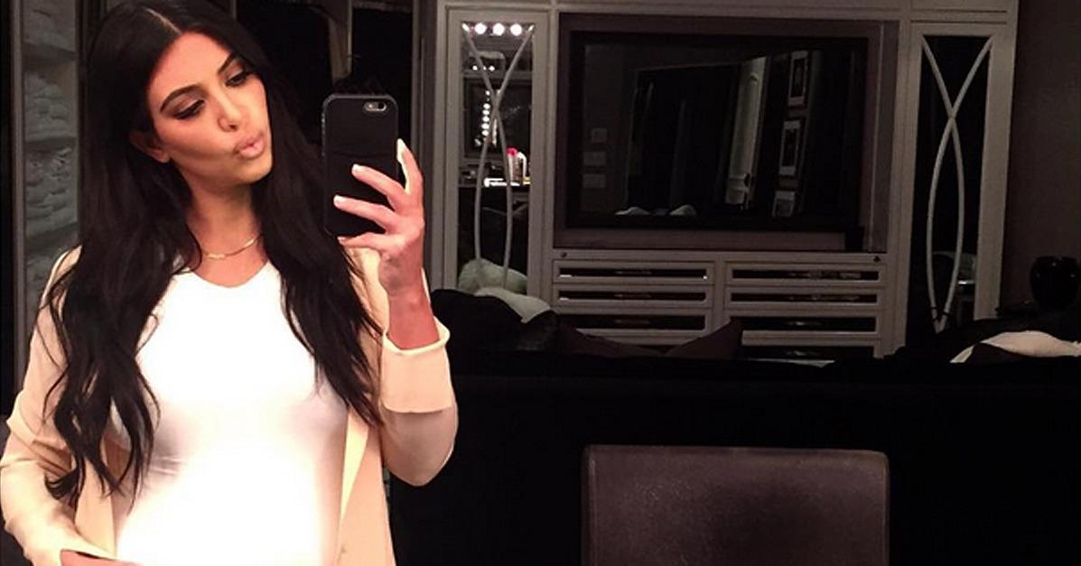 #KimKardashian's maternity uniform might actually be perfect for you: http://t.co/T2EuFUzwFl http://t.co/D9teYgo2w4