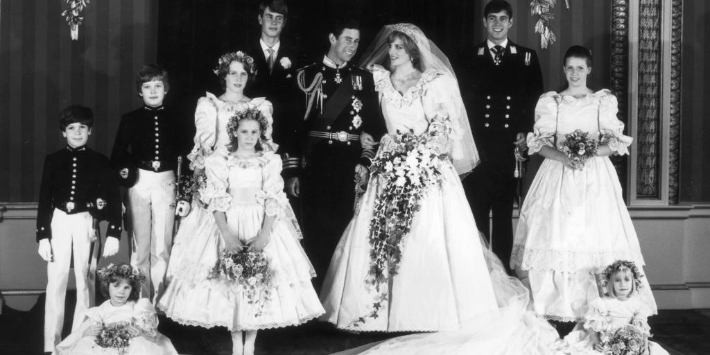 """I was Princess Diana's bridesmaid."" http://t.co/QOMQNsdW56 http://t.co/ELPrP1GJIU"