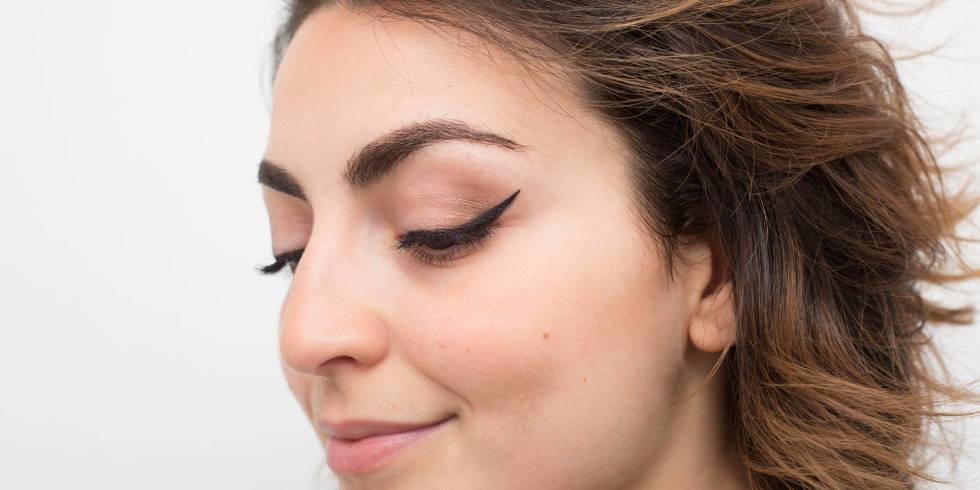 21 eyeliner hacks that'll make your life a dream http://t.co/jzVzV8R0e1 http://t.co/Fli7cbok5B