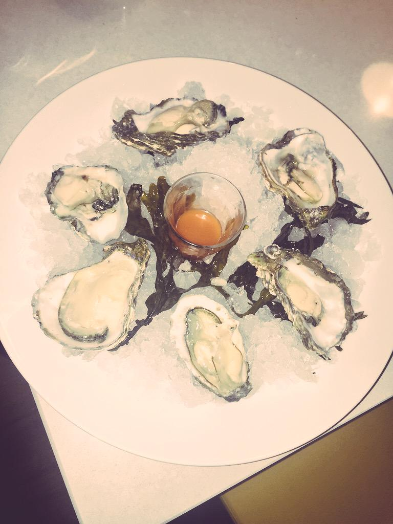 Amazing Oysters!! Thank you @RBG_Harrogate and thankyou @Freddy_White for picking them up! #spoiltgirl #HomeDelivery http://t.co/dRyQhVcRa3