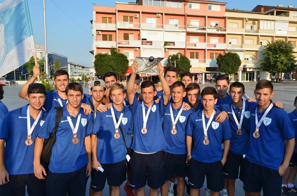The players upon their arrival; photo: Strumica Net