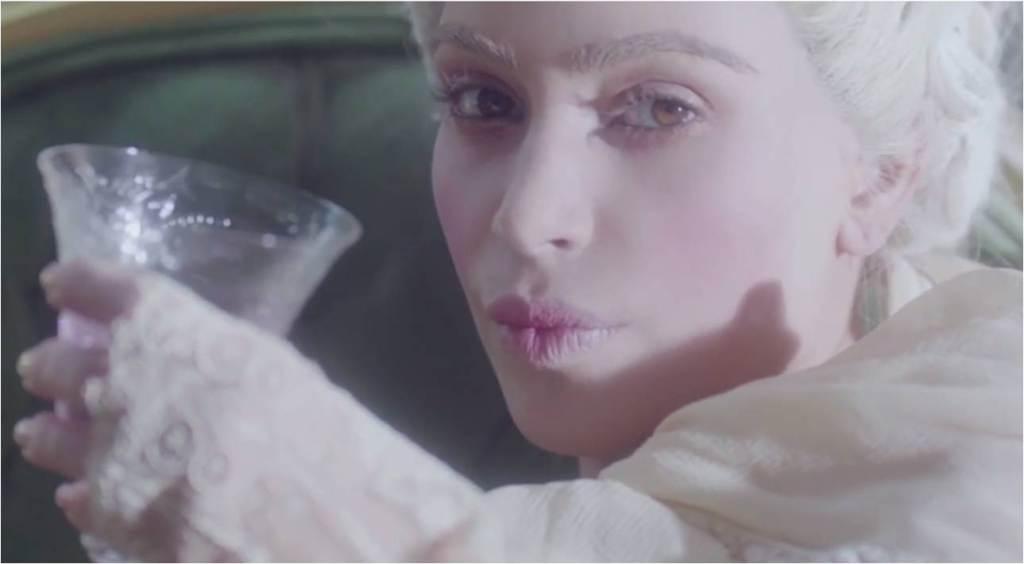 Kim Kardashian West ma dziwne halucynacje po wypiciu napoju energetycznegoHYPE http://t.co/Xuu5iwtN5c http://t.co/sjCA3UxXCi