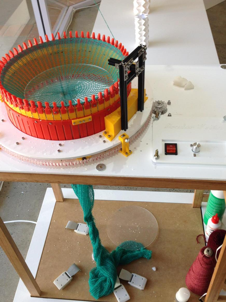 And I don't think I've mentioned yet the amazing 3D printed circular knitting machine, socks anyone? #mobilemakers http://t.co/u9vW60DKAq