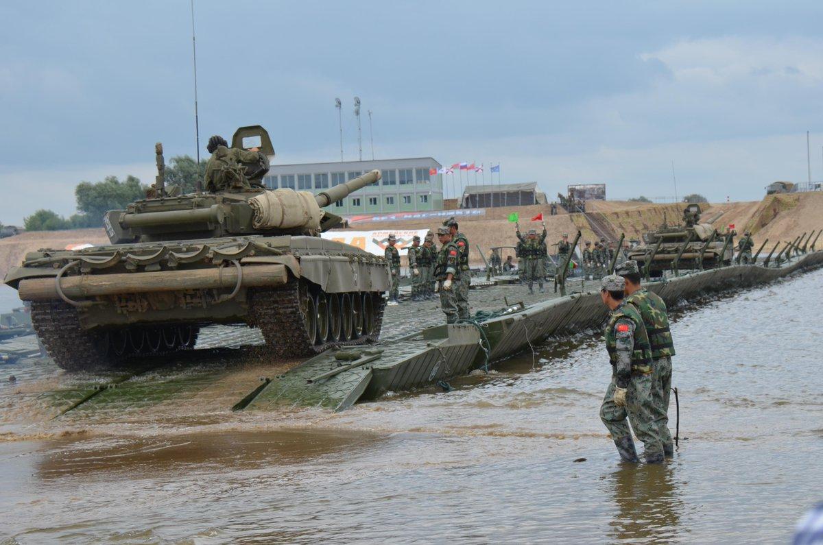 СБУ задержала военнослужащих, которые торговали оружием - Цензор.НЕТ 7941