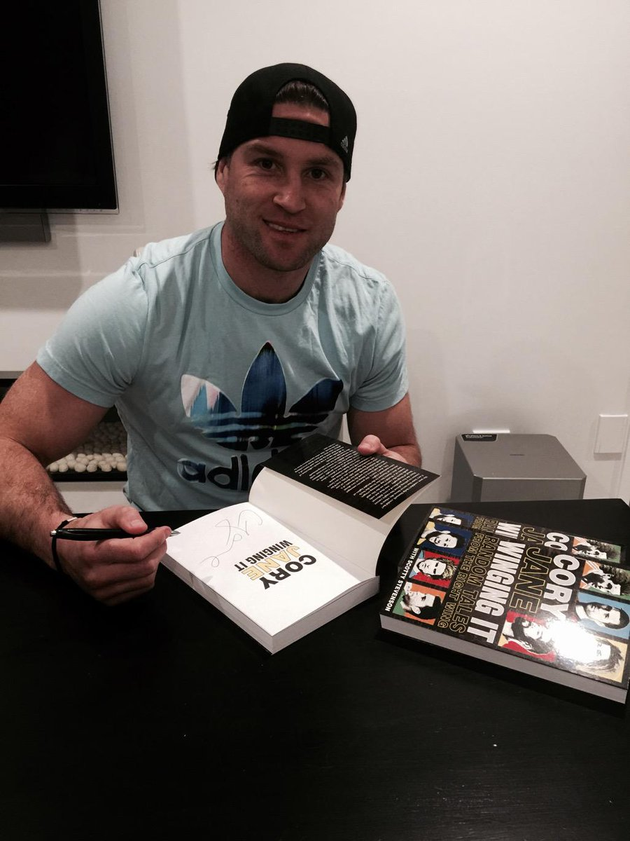 Got a couple signed copies of my Book (Winging It) to give away... RT  for a chance to win. http://t.co/Xs4GU4LLNj