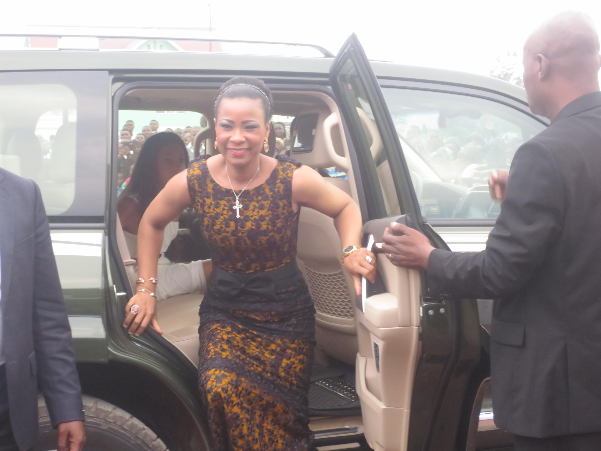 Boma : Olive Lembe Kabila ramène le corps de son …