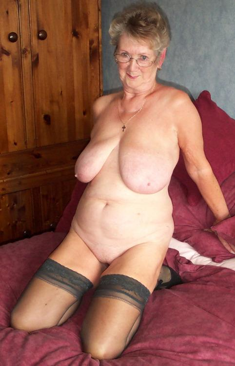 hot-old-grannies-naked