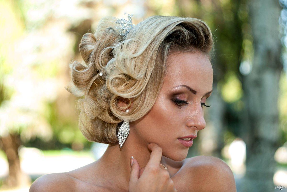 Вечерние и свадебные прически в картинках