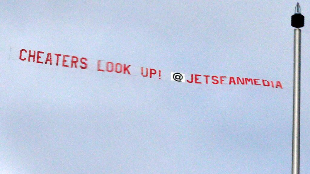 As a @Colts fan, I have nothing but love for  @JetsFanMedia for flying this over the Patriots camp today.... http://t.co/jgQ8g7ETm3