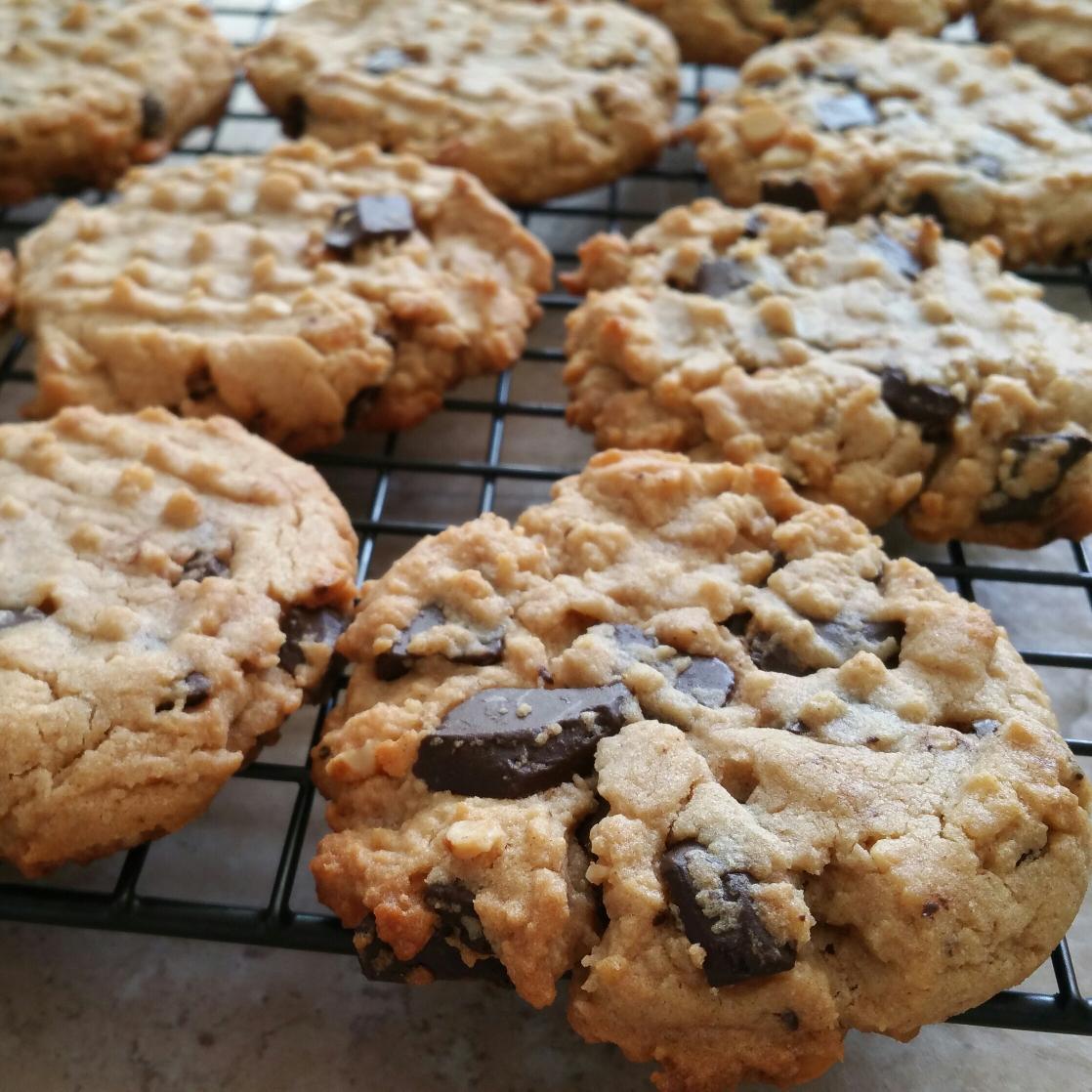 Chunky #Chocolate #PeanutButter #Cookies @LaurasKitchen. YUM! Baked 8min, got 2 dozen. #Recipe http://t.co/EV545EFnPr http://t.co/7nVeSsh98x