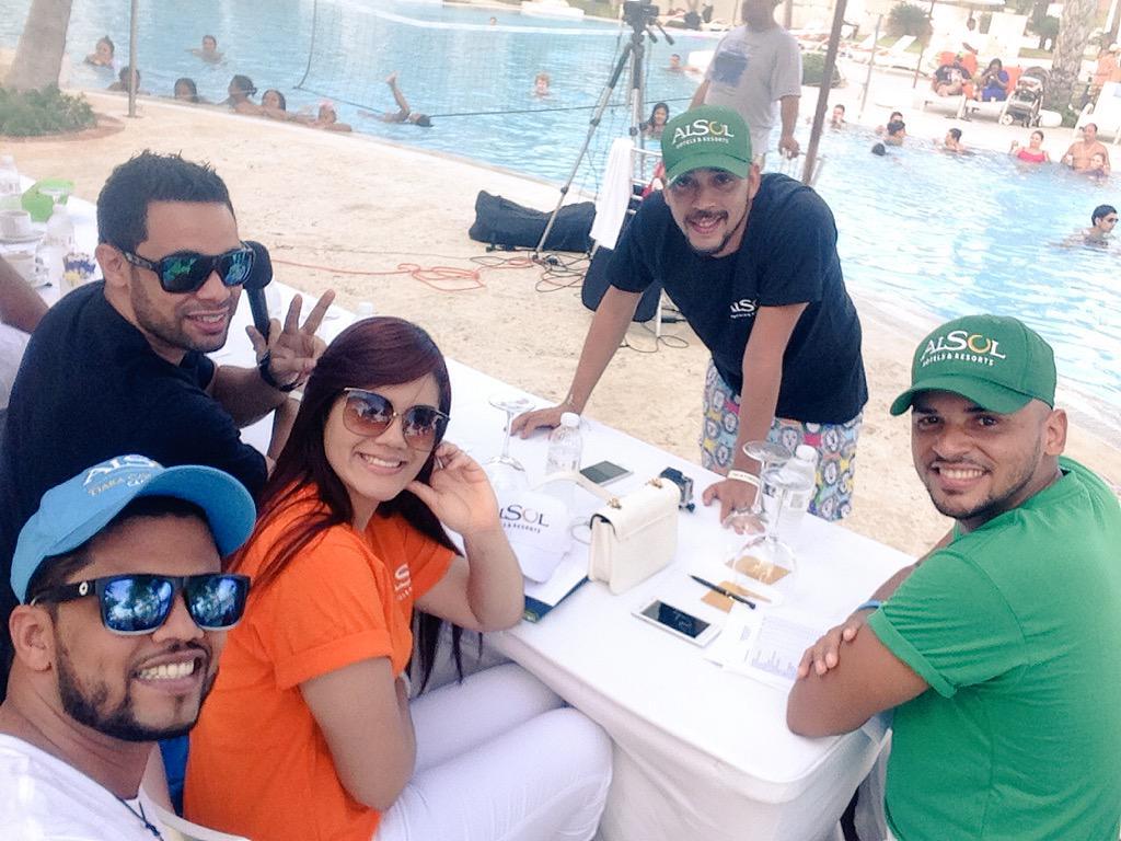 El Team de la risa en #CapCana @alsoldr http://t.co/Ohh003iqBg