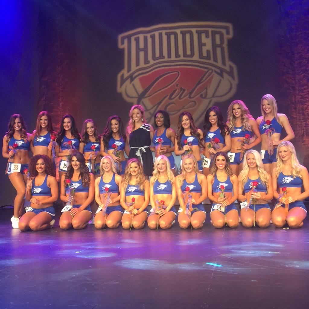 Your 2015-16 Thunder Girls!!! http://t.co/byhd44oElu