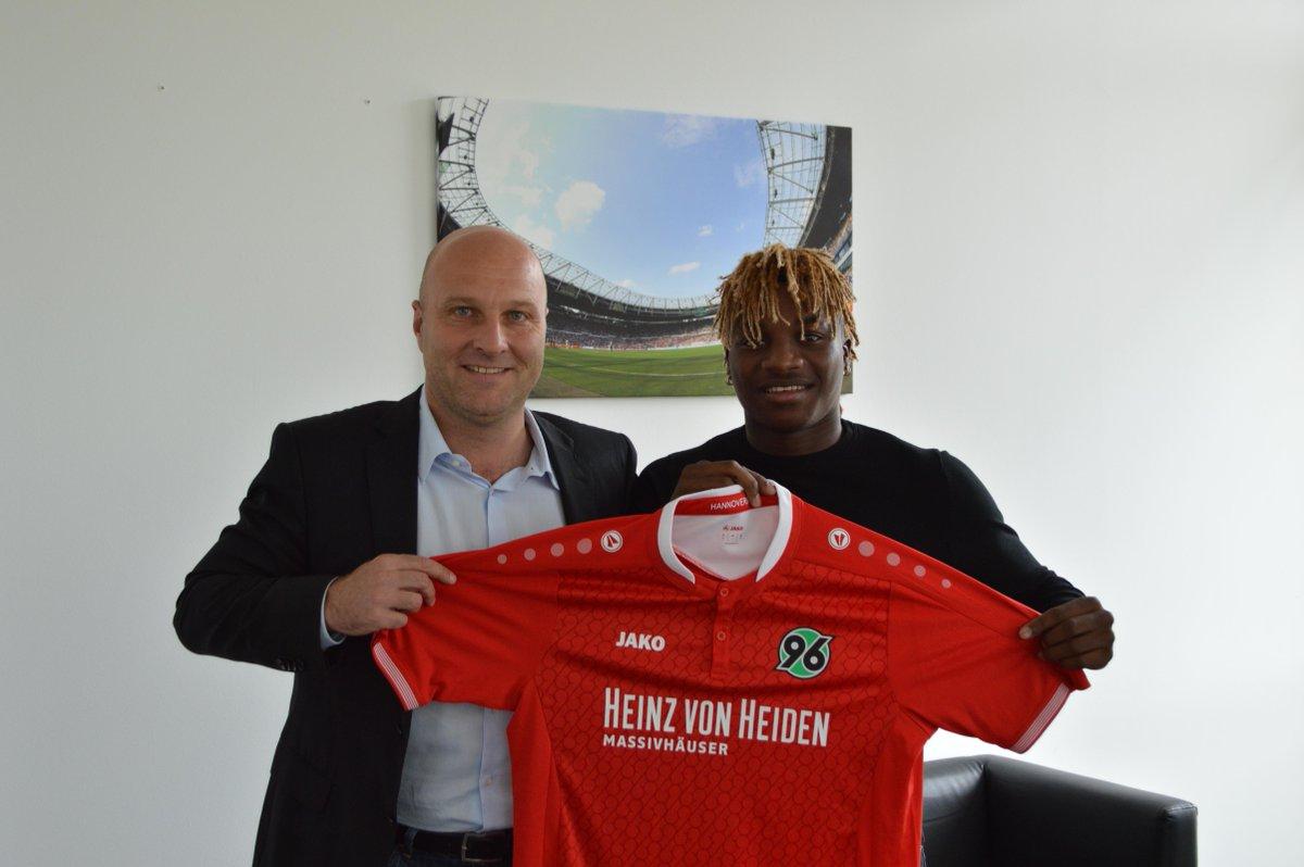 OFICIAL: Monaco contrata e empresta jovem meia francês