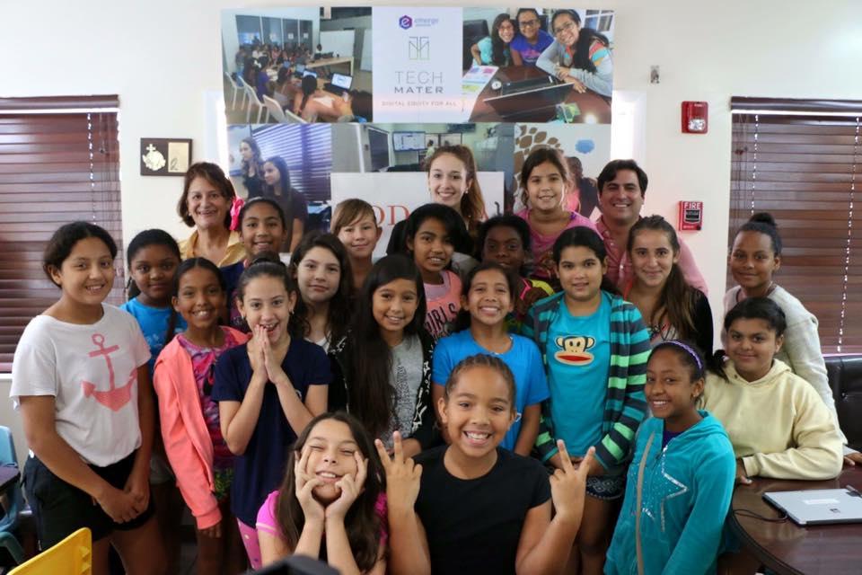 CareCloud & CodeLLa Inspire #Hispanic Girls to Learn Code & Entrepreneurship http://t.co/emRPxwwsiT #latino #latism http://t.co/D5M1HUDBqC