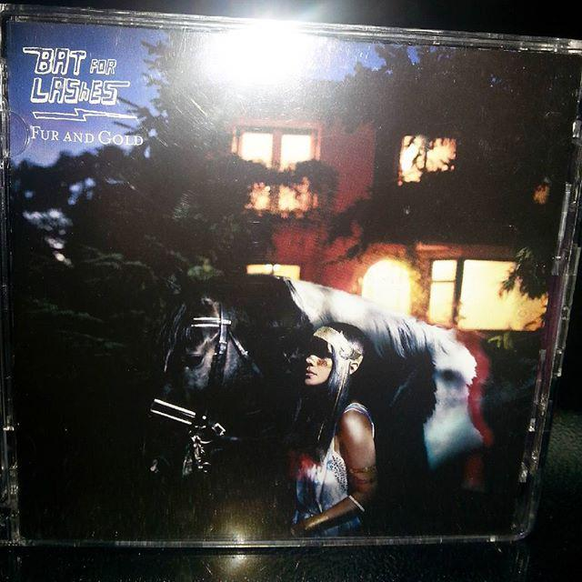 @buzzyfuzzy : https://t.co/RzOFZAjA0t   Love this album #batsforlashes #furandgold #natashakhan #horseandi #albumo… http://t.co/LUZluxqYn1