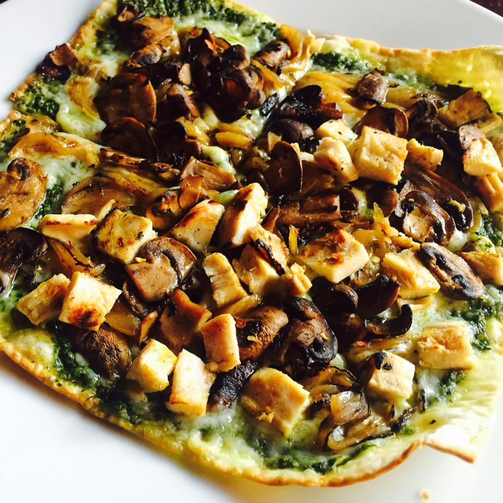 Royal Tavern On Twitter Chicken Pesto Flatbread Pizza With