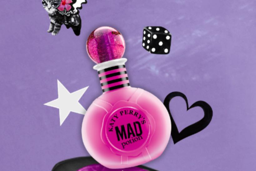 Katy Perry launches perfume via exclusive fan pop-up shop on Twitter http://t.co/YH9txsKNss  via @MarketingUK http://t.co/IikpOiLnWO