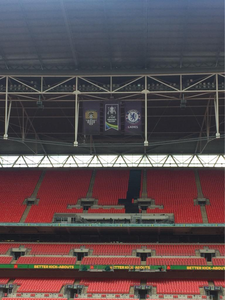 Today we make history!! First Womens FA Cup @wembleystadium LIVE... BBC 1 Kick Off 3pm!! #DreamComeTrue #COYLP ⚽️