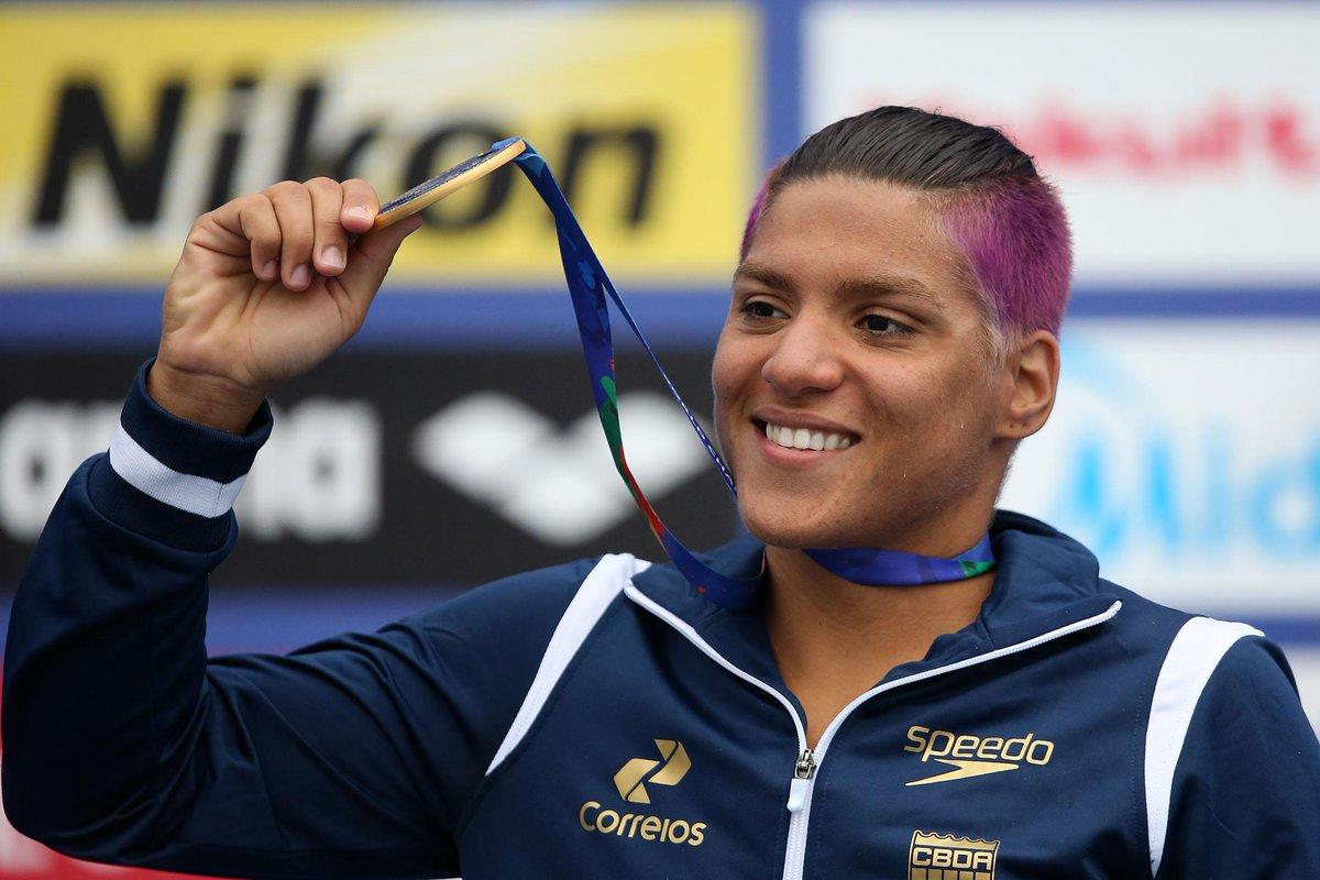 #Kazan2015 - @anamarcela92 conquistou a medalha de OURO, nos 25 km. 1º ouro do Brasil! \o/ Valeu Ana F. @satirosodre http://t.co/75RdwH8g6c