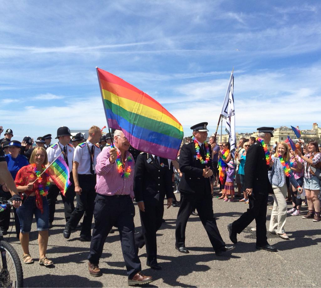 Brilliant job by @sussex_police @SusPolPLO in re-routing the parade & keeping everyone safe #BrightonPride http://t.co/IrZ36UdToa