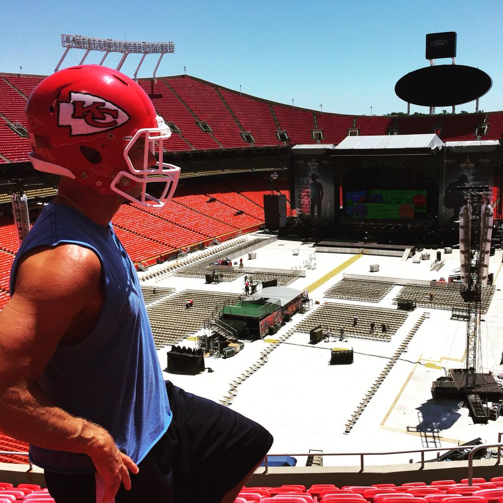 Kenny chesney on twitter let s do this kansas city