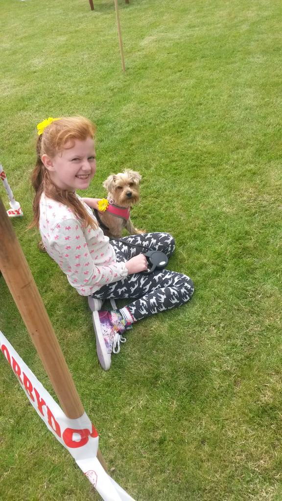 RT @shazgreenhalgh: @TheDanWhiston we had a fab day Poppy wasnt the best sausage catcher but she won 2nd place for prettiest pooch haha x h…
