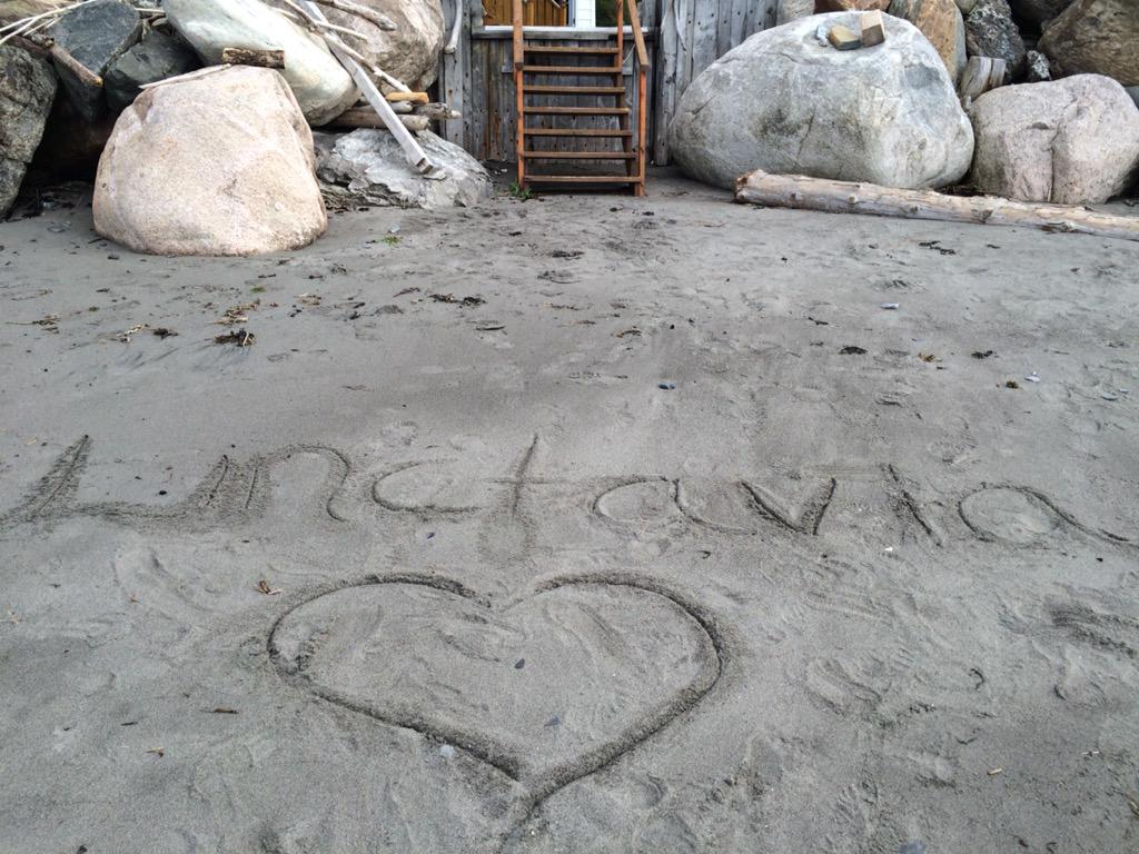 RT @KatyKatLou: @MrRickyWhittle #Linctavia love this grounder couple 😍😍😍 #The100Season3 @iamAvgeropoulos http://t.co/ErLwXCsDR4