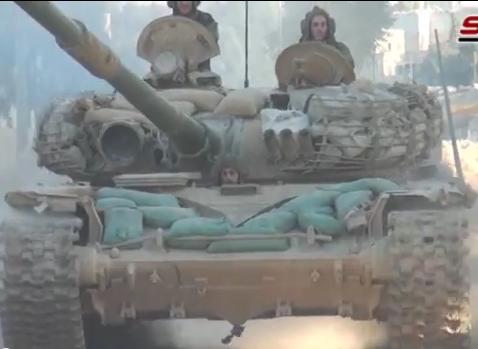 الوحش الفولاذي لدى قوات الجيش السوري .......الدبابه T-72  - صفحة 2 CLX5_vgUAAAjs9q