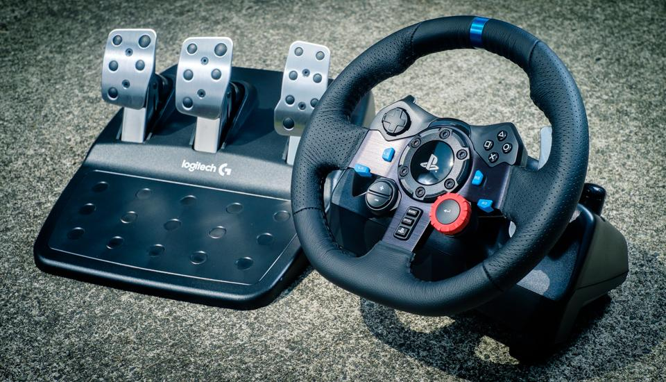 Behind the wheel of Logitech's G29 Driving Force controller