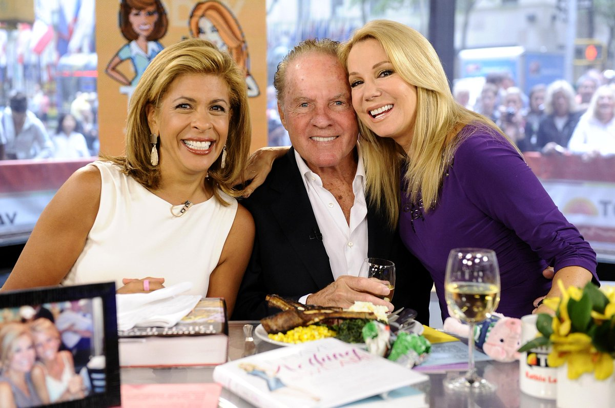Today, we lost a member of the 4th Hour family. Rest in peace, Frank Gifford. Our prayers are with @KathieLGifford. http://t.co/WZIZKnKtKJ