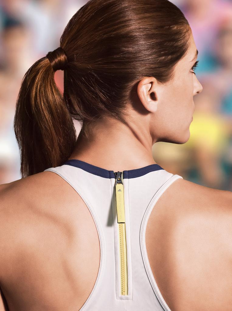 RT @adidasWomen: FIRST LOOK: @adidas by @StellaMcCartney #Barricade as worn by @andreapetkovic. http://t.co/tV05Oy6bg7 #aSMC #USOpen http:/…
