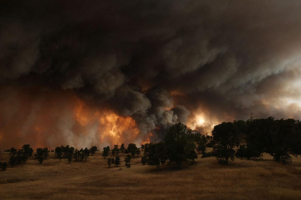 L'incendio di Clearlake in California