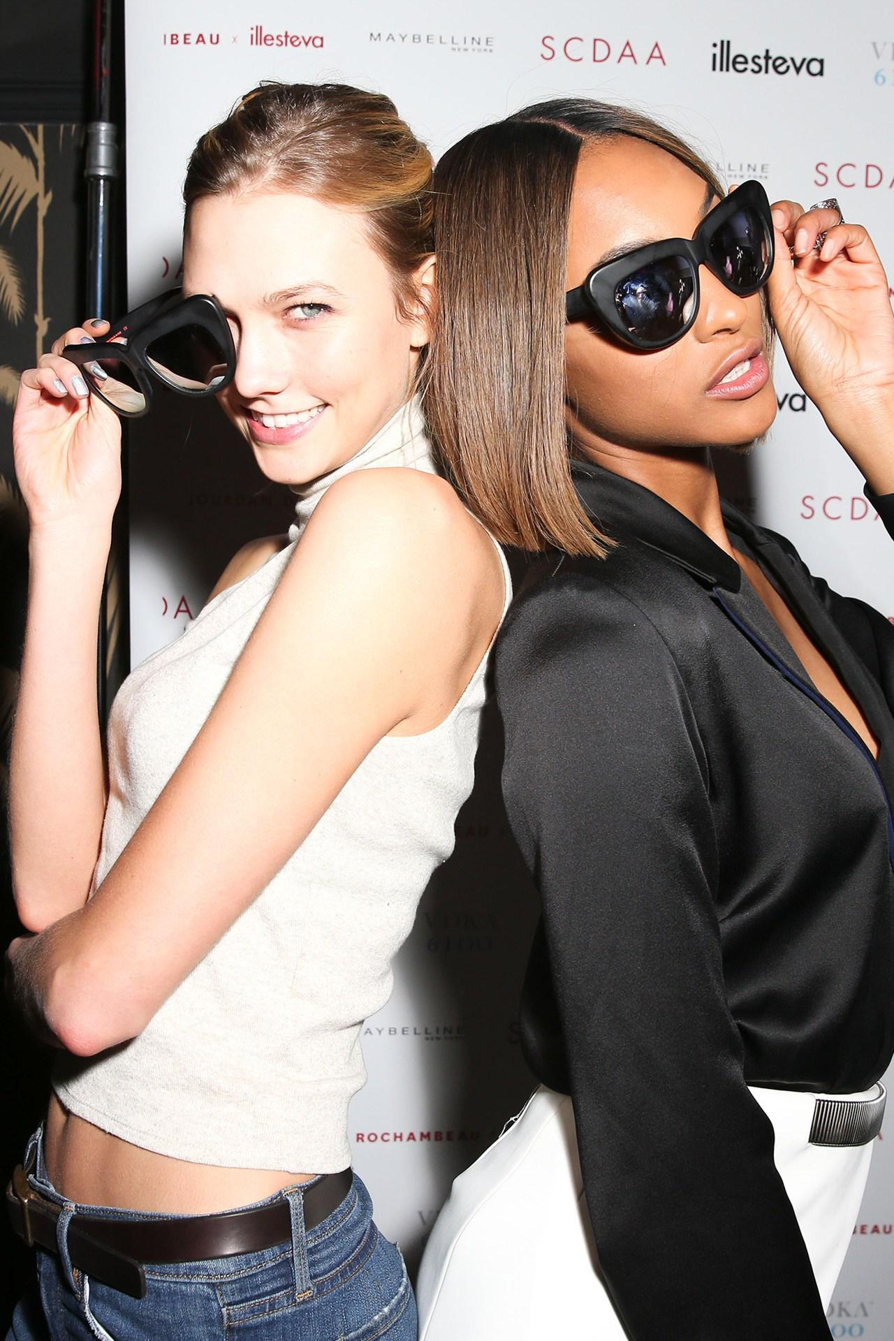 As they celebrate their birthdays, see @karliekloss and @missjourdandunn's BFF model moments http://t.co/25ZAhUG3vE http://t.co/I64XhVVgsy