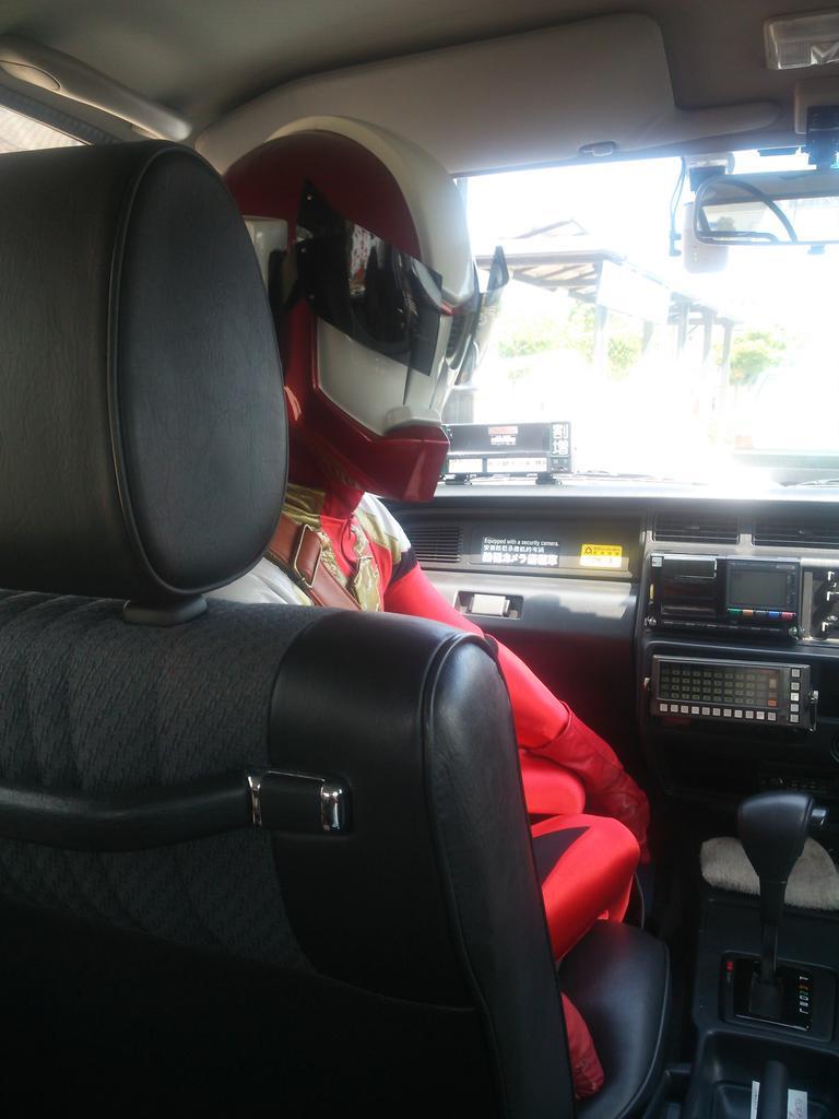 ダルライザーが助手席に乗ってる風景 #すごろくガイド http://t.co/dPiOJdfwaV