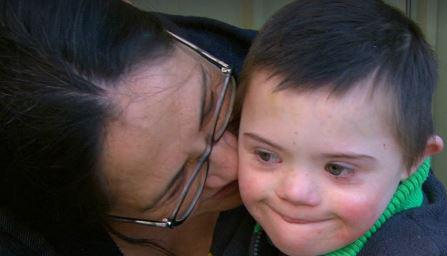 Heartbreaking to watch my friend #SharonChan on @ACurrentAffair9! Donate now: http://tinyurl.com/nvpp8f2 pic.twitter.com/w3mxJQ1RCQ