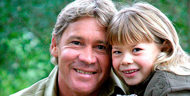Steve Irwin's daughter is all grown up, and she's stunning: http://t.co/S94D95xq1o http://t.co/rb2FrUXTmM