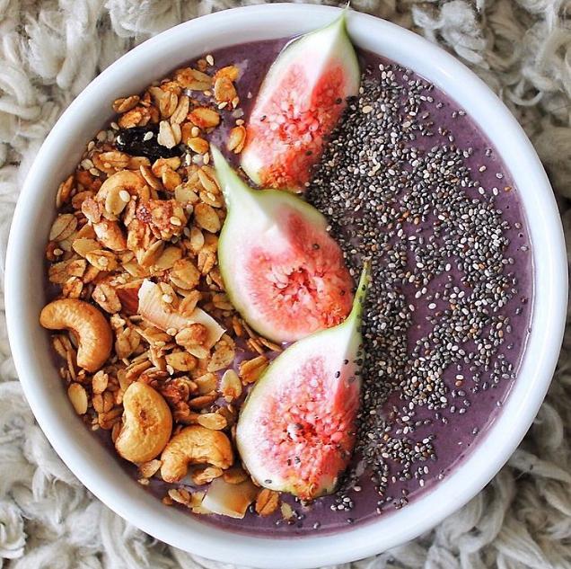 13 Instagram-ready breakfast bowls to kick off your Monday morning: http://t.co/jKI6JqaLKt http://t.co/mjChGRzRje