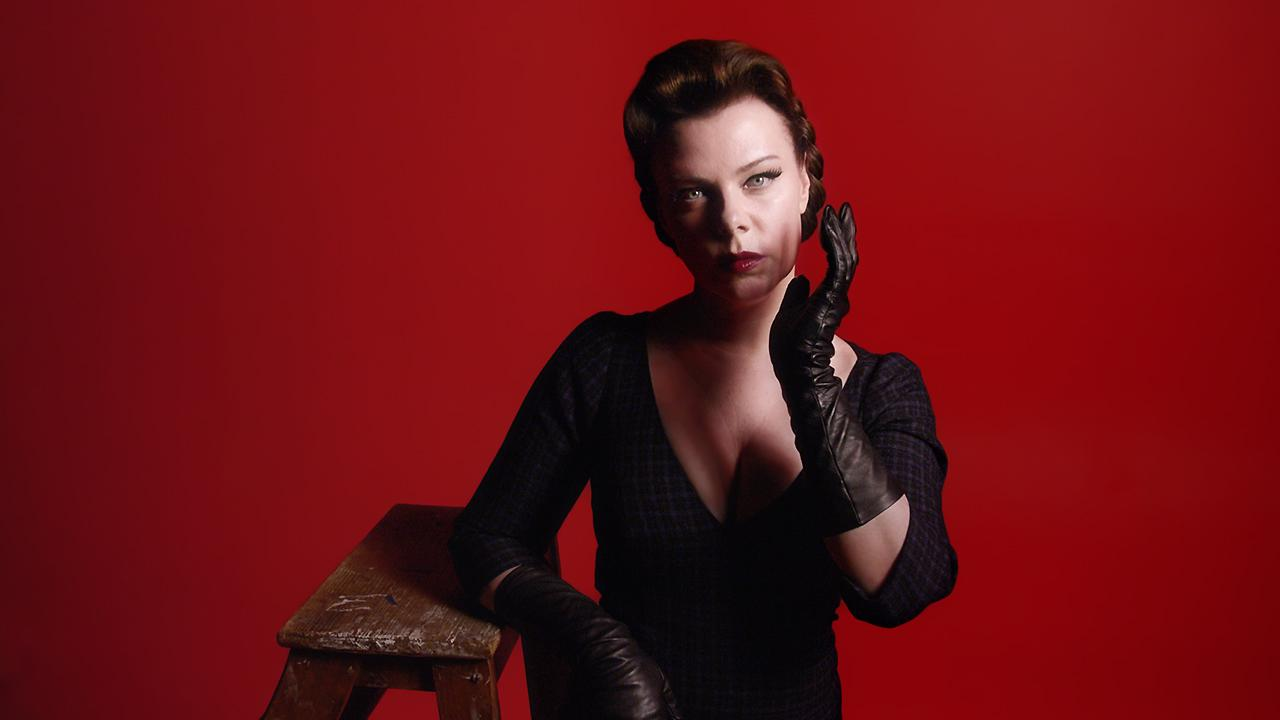 We know @DebiMazar inspires @themarcjacobs, so we asked her what she is inspired by. https://t.co/5DdPJZYG3a http://t.co/FER1ZXgWGq