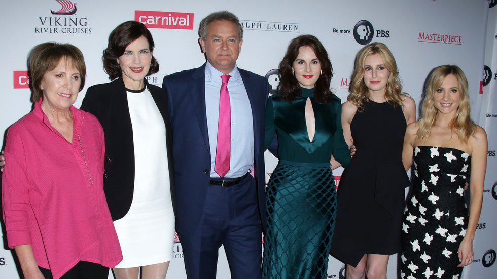 """Downton's nearly over - read what the cast had to say on the """"emotional"""" final days of filming http://t.co/IQAYg3GKHq http://t.co/KopWAkxmFS"""