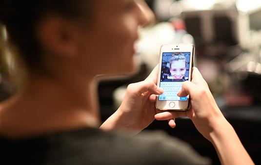 Why women shouldn't use the same Facebook, Instagram and Twitter photo http://t.co/vEiQbNcOpH http://t.co/bNa7GtrInD