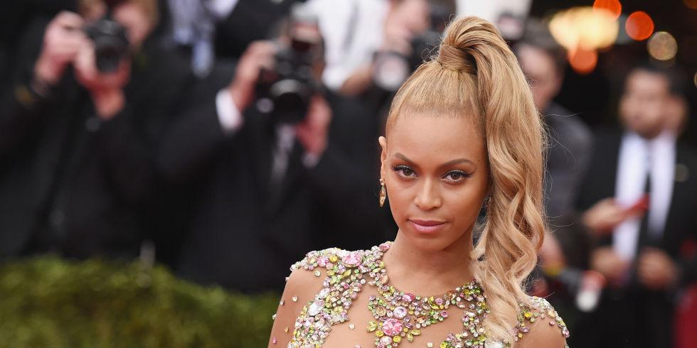 Um, you will not BELIEVE how much $$$ Beyonce just spent on a pair of shoes. http://t.co/grsZWd7gby http://t.co/6OYtFBFU9J