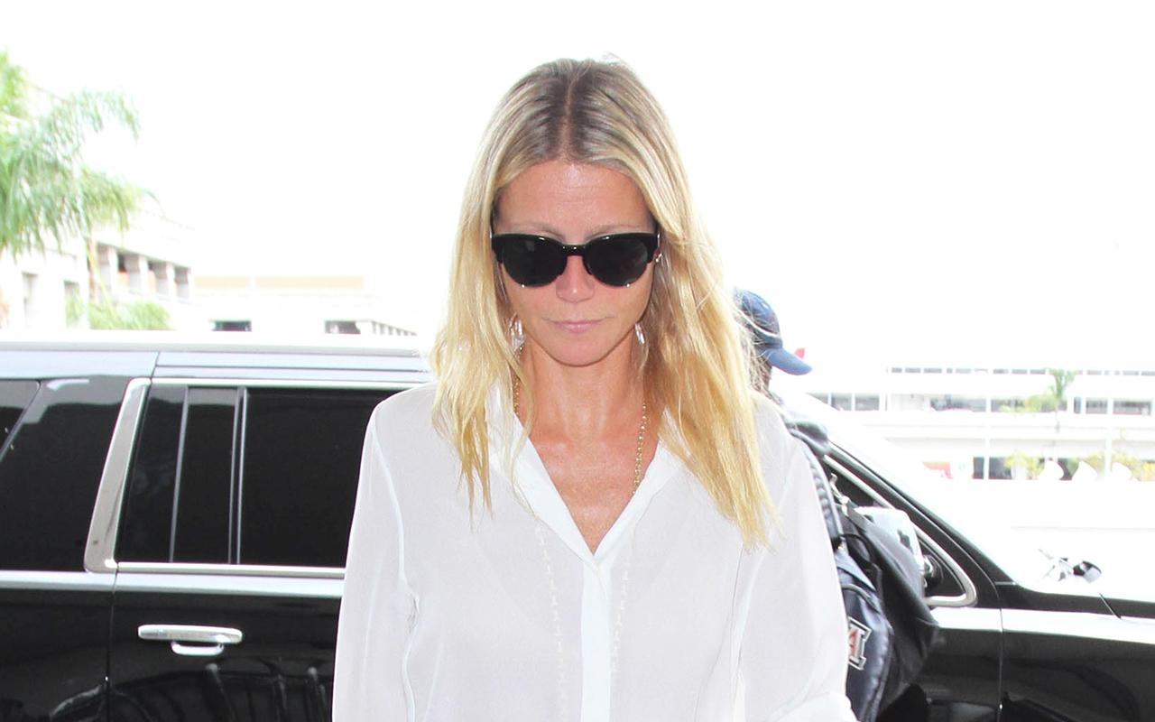 .@GwynethPaltrow proves that pajama-style shorts can be chic: http://t.co/eDf1AZiGRP http://t.co/dxkg0rQAan