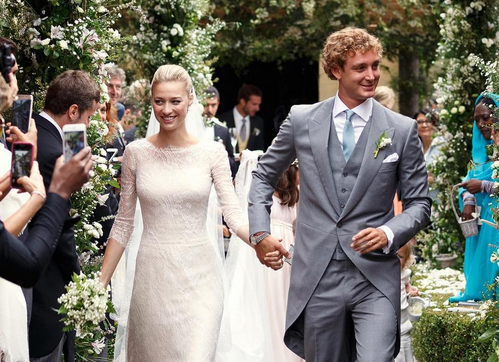 When marrying into Monaco's royal family, you better have multiple Armani wedding dresses: http://t.co/stFcQ6DIyR http://t.co/UnpgEnINzH