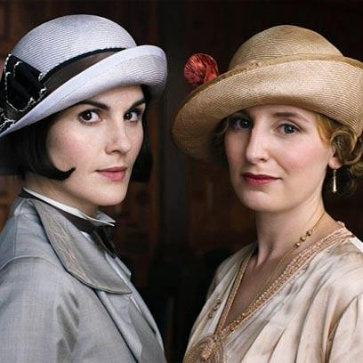 Stop everything. A Downton Abbey movie? Yes, it's looking likely... http://t.co/7ZWZQI18hm http://t.co/qAXr6ZvwXK