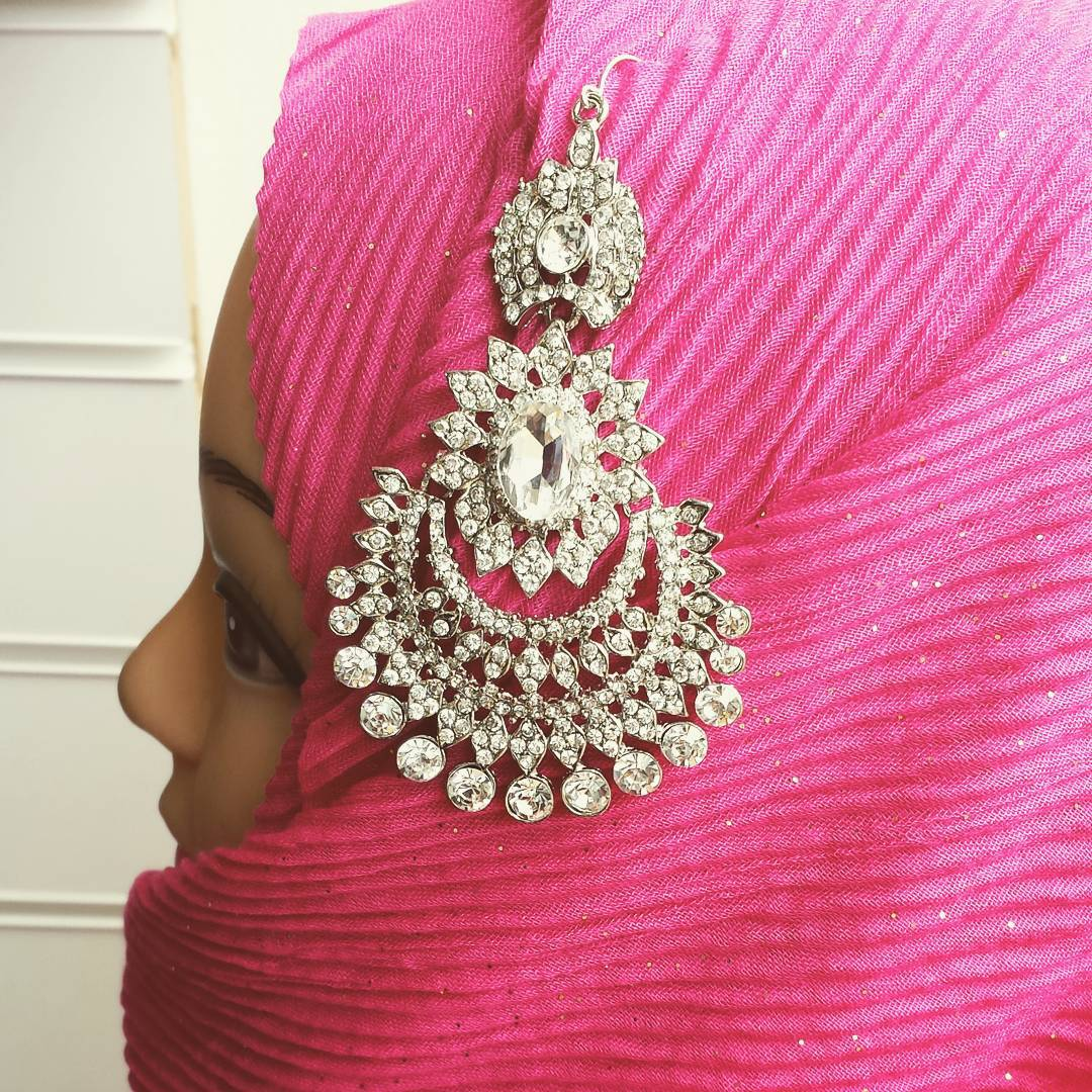 Arabaya On Twitter Crystal Headpiece Only 5 Delete Hijab Comment Housemodesty Crystals Jilbabs Pins Hijabi Http Tco Opdrjevphx