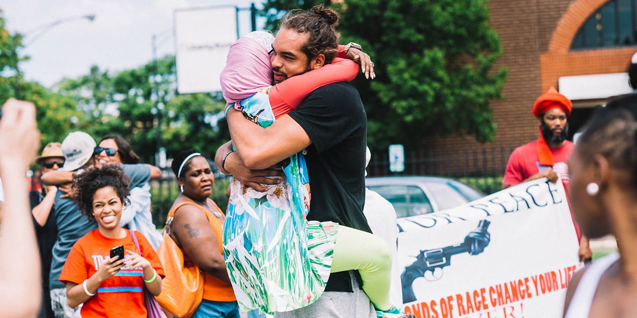 RT @RushCard: Chicago joined together this weekend, along with @JoakimNoah to walk in solidarity and spread peace. #KeepThePeace http://t.c…