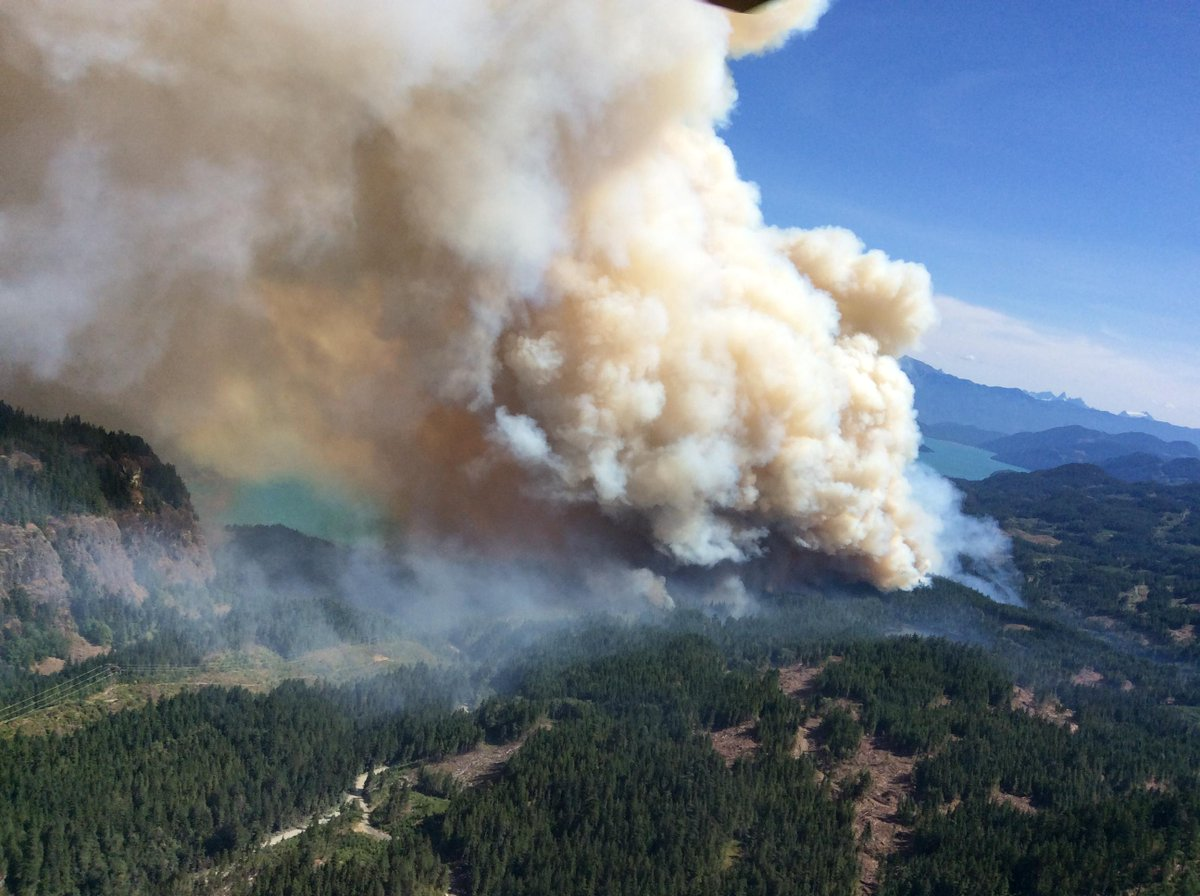 PHOTO: Wood Lake (Harrison FSR) #BCWildfire now estimated at 100+ hectares. Latest info: http://t.co/LB4C6SMRT9 http://t.co/oOYDjIbovC